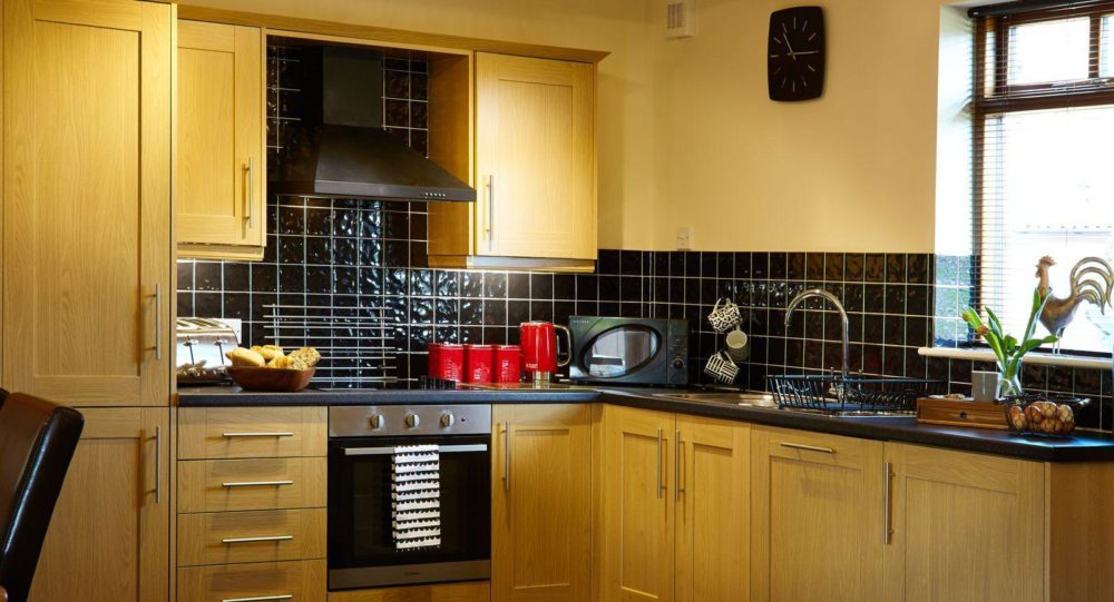 Spacious kitchen in Merry Dale Cottage